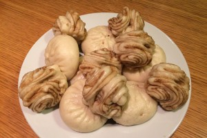 Twisted rolls made of flour and water called Hua Juan